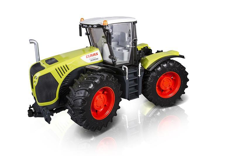Bruder 3015 - traktor Claas Xerion 5000