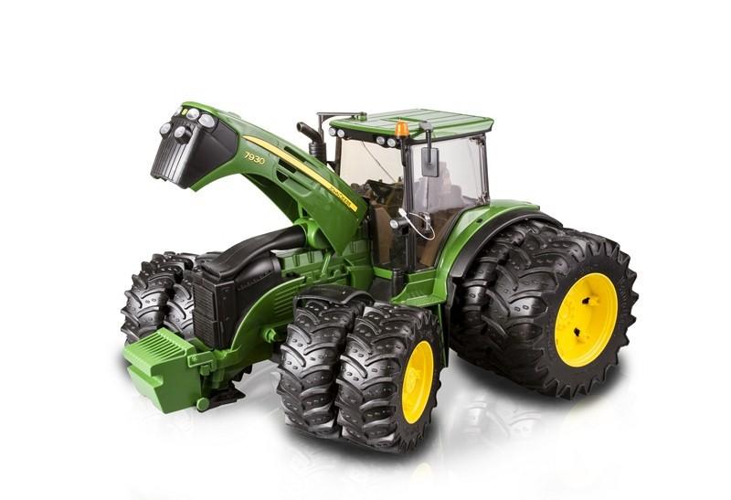 Bruder 3052 - Traktor John Deere 7930 z podwójnymi kołami